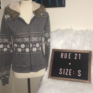 Rue 21 Hoodie Size Small warm winter jacket ❄️